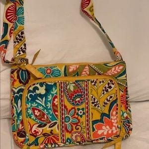 crossbody Vera Bradley purse